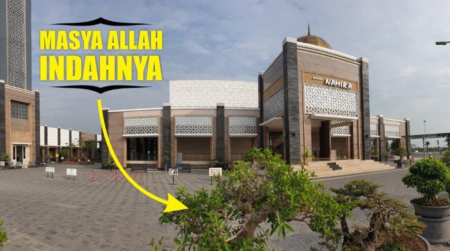 Taman Bonsai Masjid Namira Lamongan
