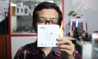 Permalink ke Unboxing Earphone Airpods i7S TWS Bluetooth