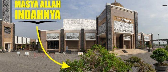 Melihat Indahnya Koleksi Bonsai di Masjid Namira Lamongan